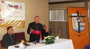 el-arzobispo-mons-francisco-moreno-barron-dando-un-mensaje-a-los-comunicadores
